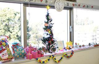 クリスマスツリーと飾り.JPG